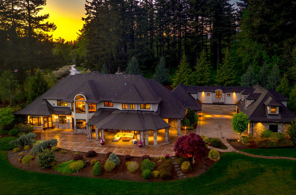 A Grand Dream Mansion In Troutdale By LUXE Christie's International Real Estate